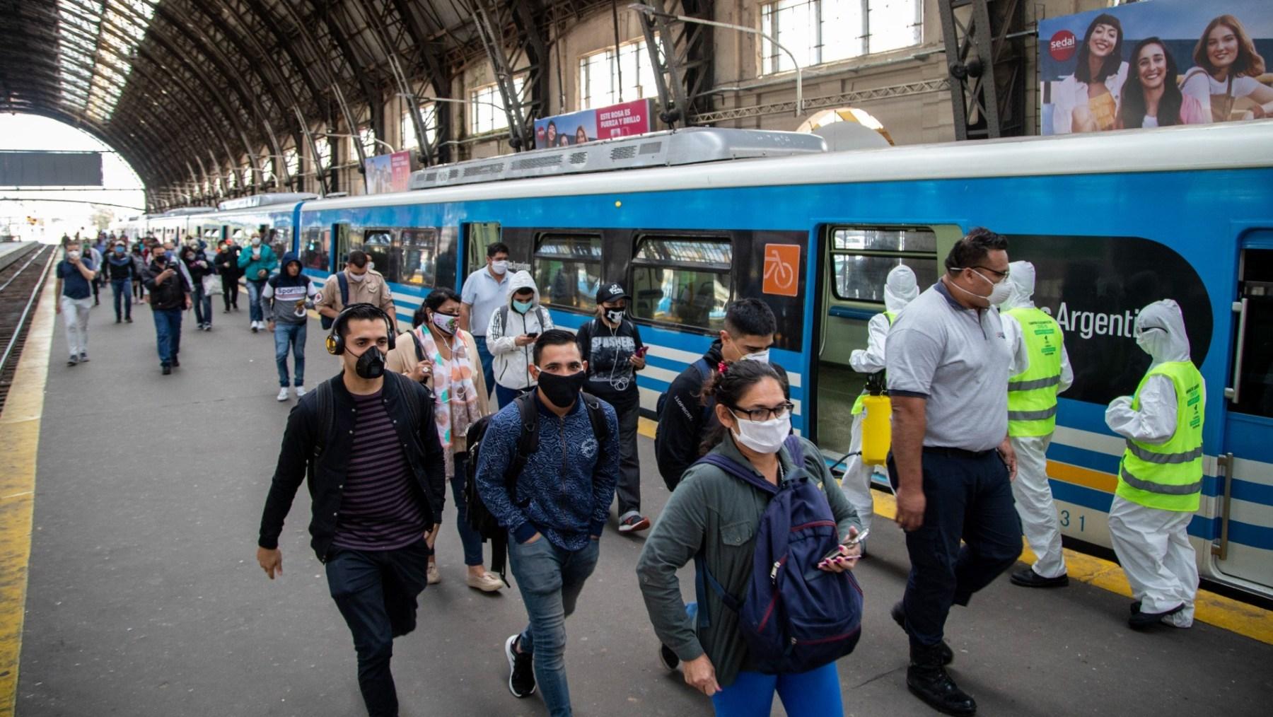 Desde hoy, amplían el aforo en colectivos, trenes y subtes: cuántas  personas podrán viajar y qué protocolos aplicarán SOCIEDAD El Intransigente