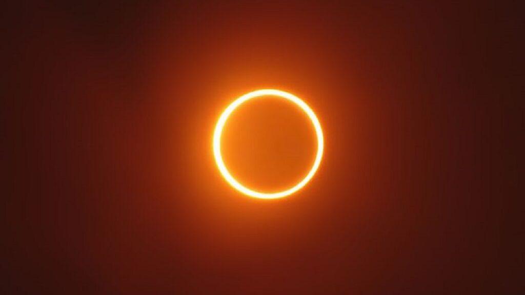 eclipse solare pierde in greutate
