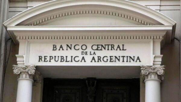 El Banco Central flexibilizó la compra de dólares para las importaciones de bienes de capital