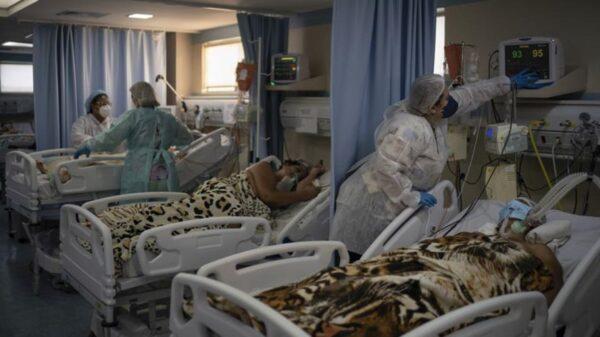 Brasil no frena el coronavirus y en las últimas 24 horas registró 100.000 contagios