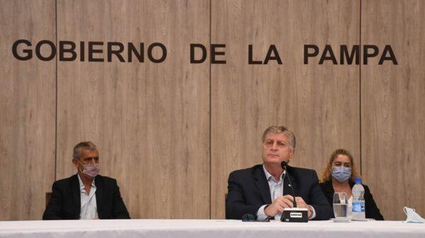 El gobernador de La Pampa reafirmó que no comprará vacunas unilateralmente