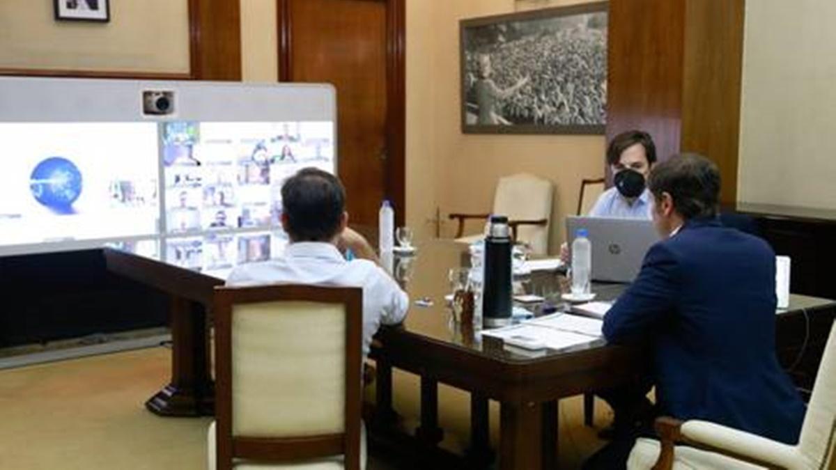 Axel Kicillof analizó las medidas restrictivas a tomar con el Comité de Expertos