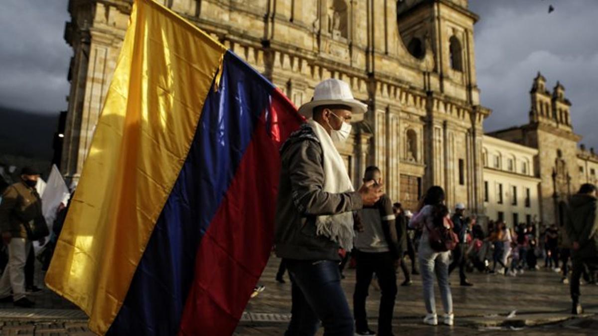 Colombia superó los 400 muertos diarios por coronavirus