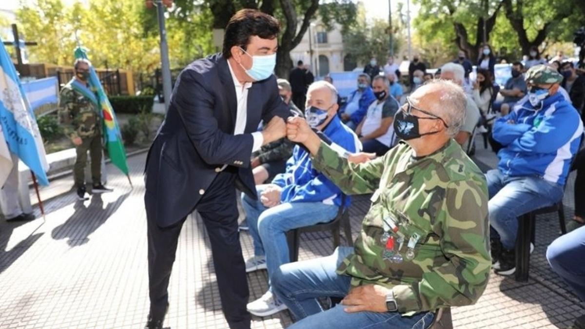 Fernando Espinoza dijo que ningún homenaje servirá para reconocer y agradecer a los soldados de Malvinas