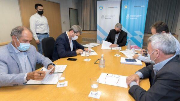 Sergio Uñac y Jorge Ferraresi firmaron convenios para la construcción de viviendas por más de $2.500 millones