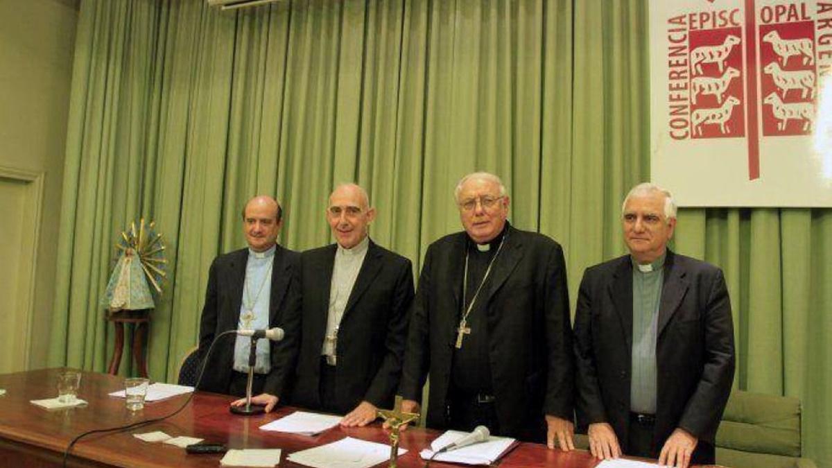 """La Iglesia pidió una """"concertación"""" entre el oficialismo y la oposición para combatir juntos el coronavirus"""
