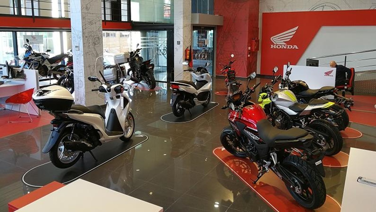 Los patentamientos de motos y autos crecieron en marzo