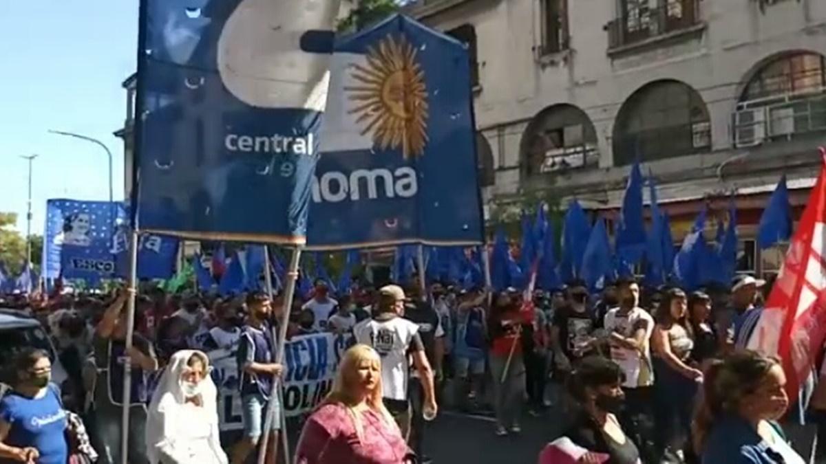 Organizaciones sociales marcharon a Tribunales para exigir la libertad de Milagro Sala y Luís D'Elía