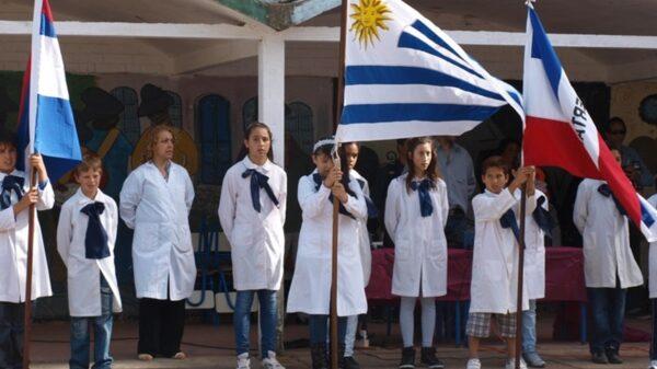 Uruguay extiende la no presencialidad en escuelas hasta el 3 de mayo