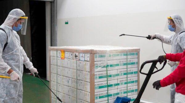 Comenzó la distribución de las 909 mil vacunas Sinopharm